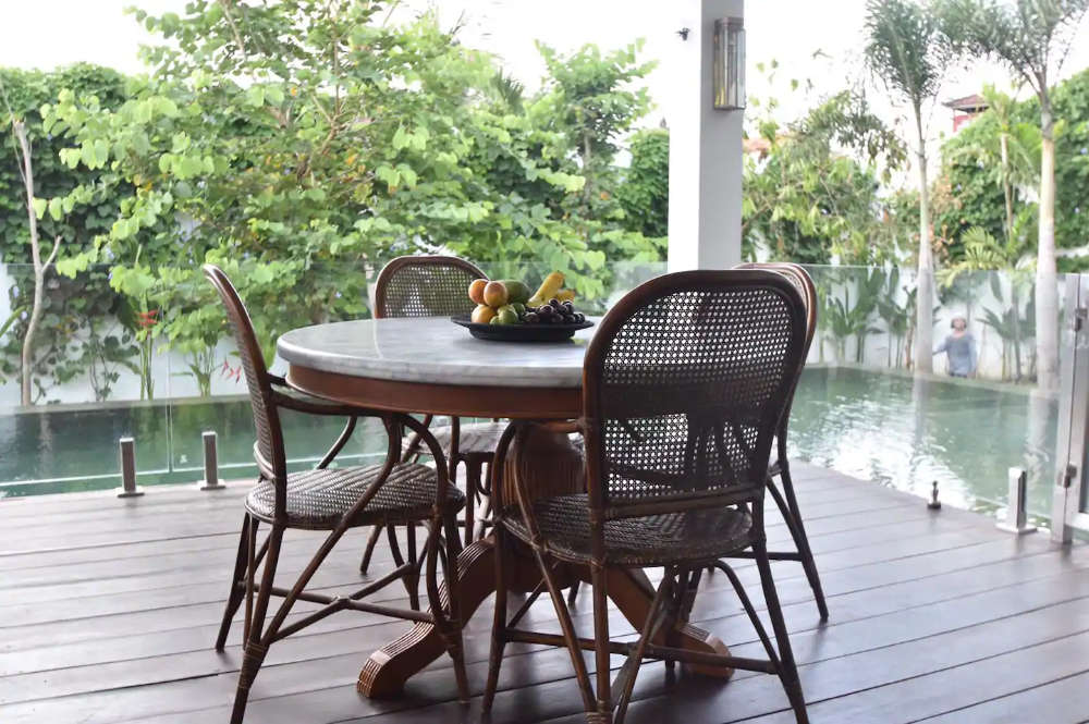 Bali Luxury Villa Chair and table - ordering custom made furniture in Bali